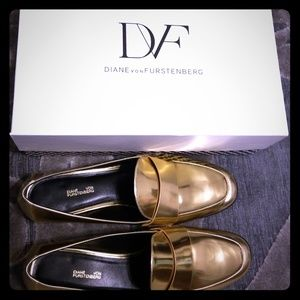 ★Host Pick★ DVF Lafayette Gold Loafers 8M